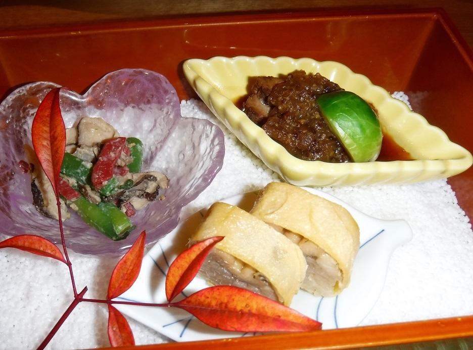 26日ブログ 夕食 氷室豚の柔らか煮、煮アナゴの金糸巻寿司等.jpg