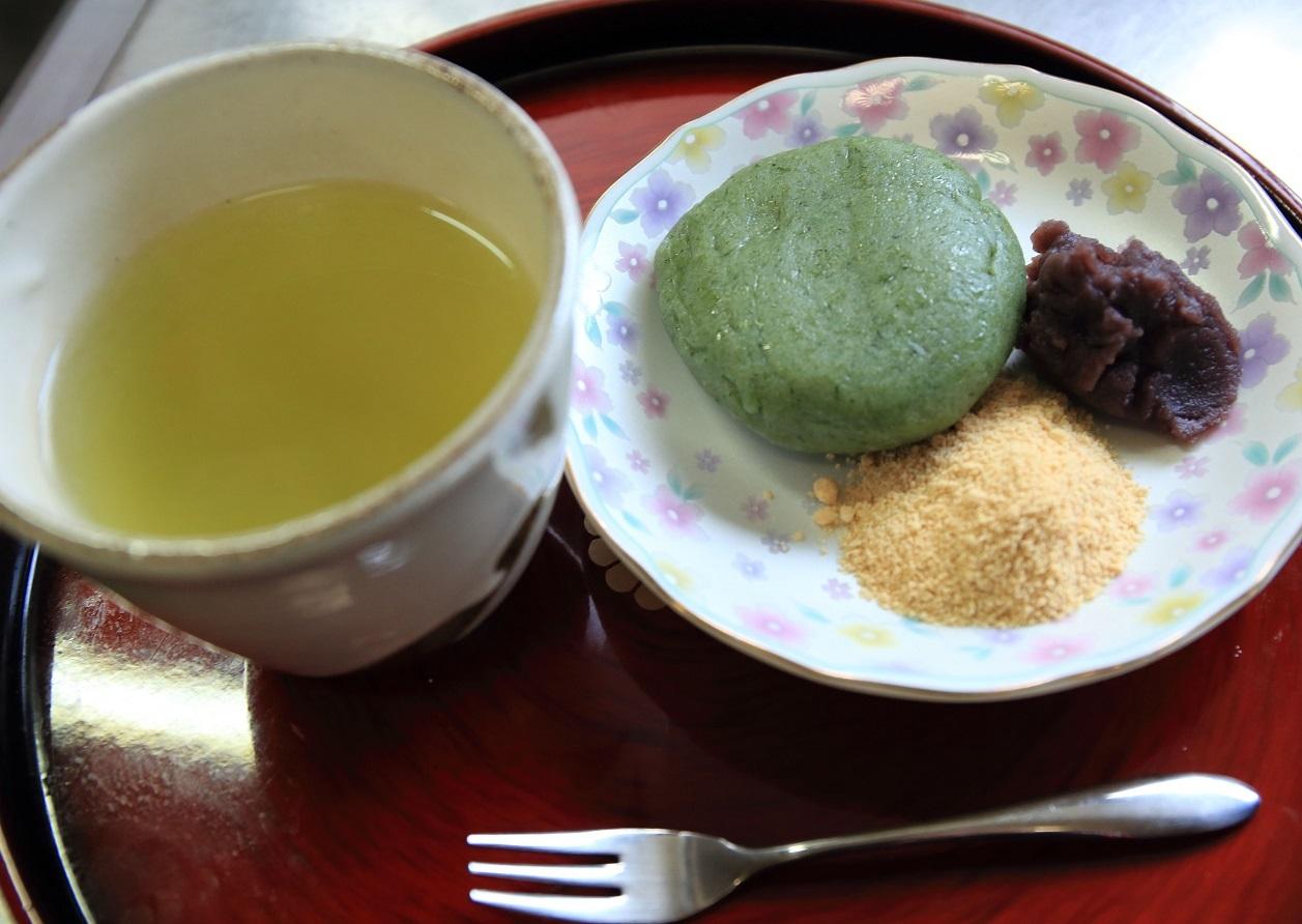 ブログ用 デザートの草餅.jpg