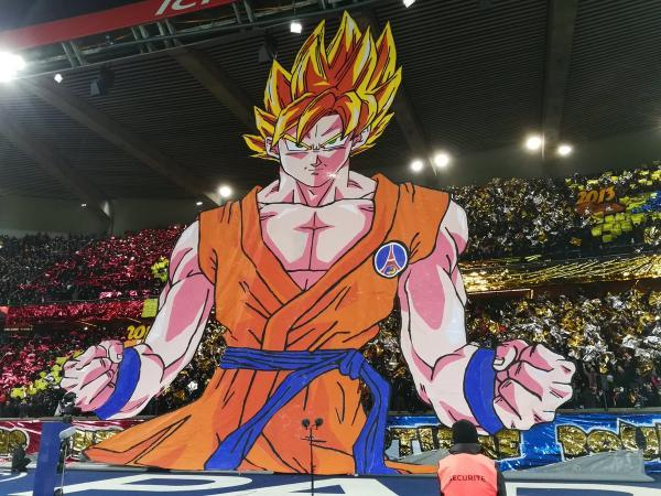 Massive_Goku_(DBZ)_Banner_at_the_PSG_v_Marseille_Game.jpg
