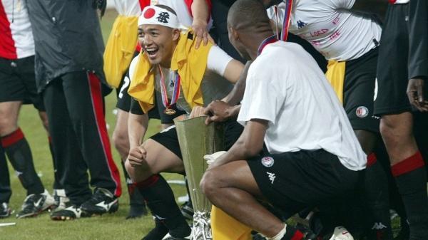 ono_shinji_uefa_cup_winner.jpg