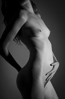nude-1549774__340.jpg