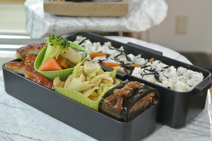 白菜と油揚げの炒め煮弁当