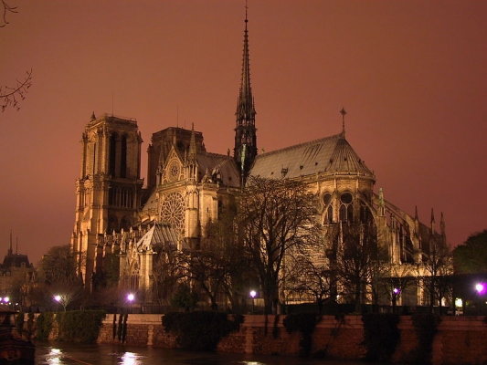 800px-Notre-Dame-night.jpg