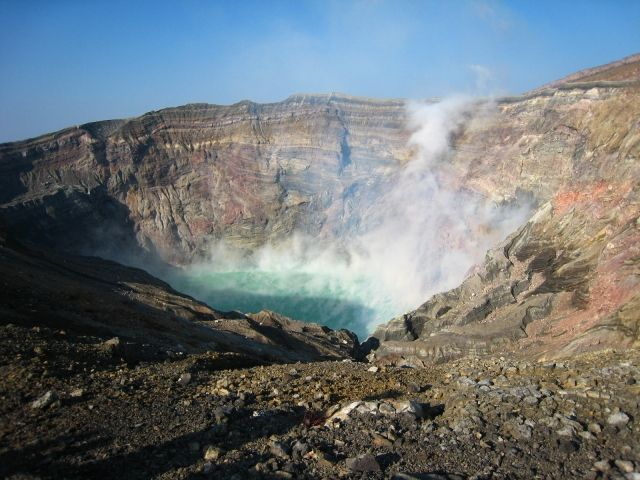 【九州】阿蘇山の「火山性微動」の振幅が大きくなっており、火山ガスの放出量も急増…火山活動活発化により、噴火警戒レベル2へ