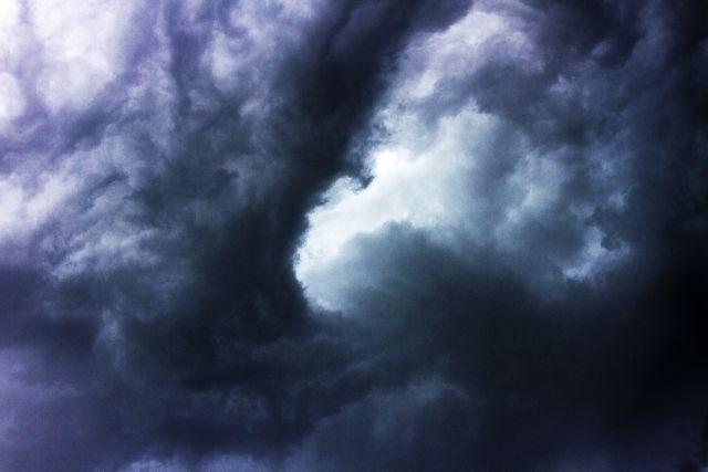 【前触れ】この前あった「地震雲がやばい」スレにいた奴ちょっと来い