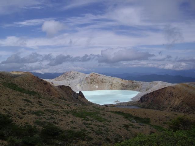 【群馬】草津白根山の「湯釜付近」で火山性地震が急増…地盤の変化も観測、噴火が起きるおそれあり