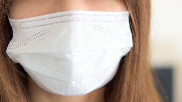 厚生労働省「インフルエンザ予防にマスクをしても...推奨はしない」