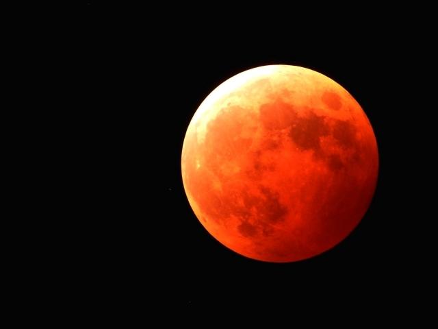 【スーパームーン】35年ぶりだった皆既月食も「巨大地震」の引き金になる?東日本大震災では8日後にも...