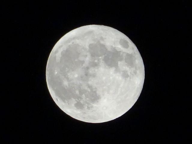 【スーパームーン】今夜は2018年最大の「満月」が出現!