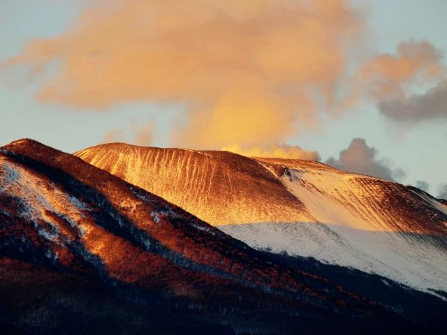 【火山】長野と群馬にある浅間山で「火山性微動」が急増…気象庁「白根山とは関連性は薄いと思う」