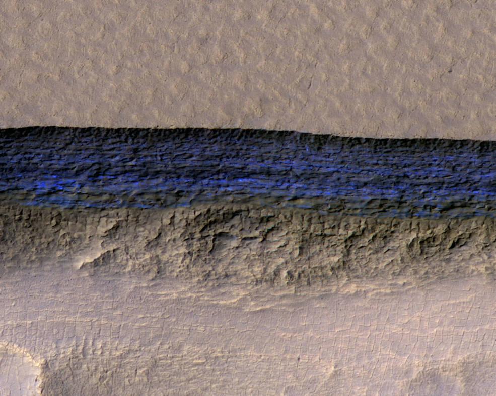 【NASA】火星表面近くに厚さ100メートル以上もある「地下氷河」を発見した!