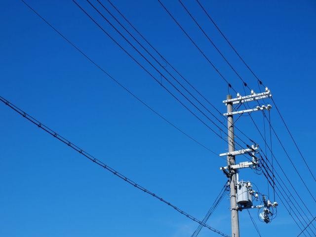 【首都】無電柱化、東京でもたったの「8%」…ロンドンとパリ → 「100%」 台湾・台北 →「95%」  韓国・ソウル → 「46%」 乱立する電柱大国ニッポン