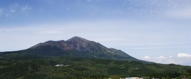 【九州】新燃岳で火山性地震が「150回」を超える…噴火の可能性もあり