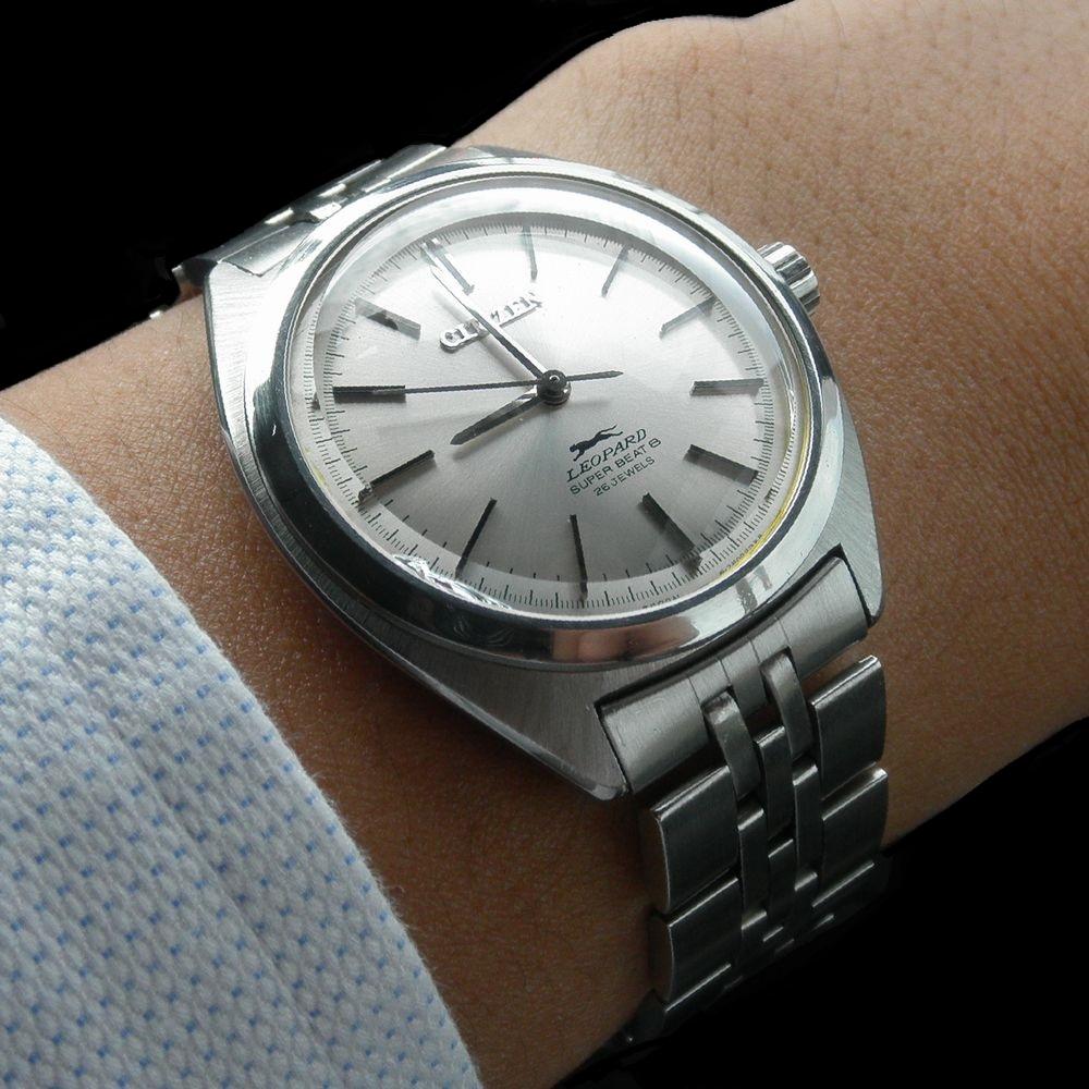 普通の時計 A1