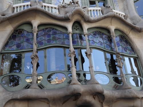 カサバトリョ外観4窓