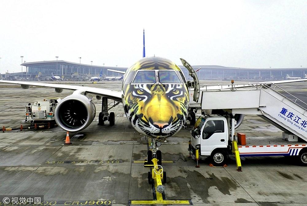 虎 航空機