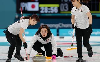curlingblonz.jpg
