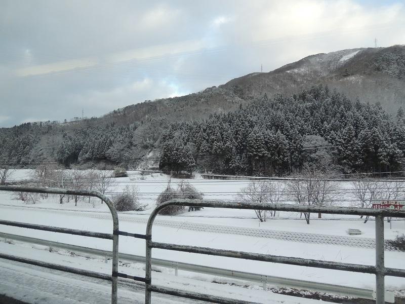 車窓から雪景色