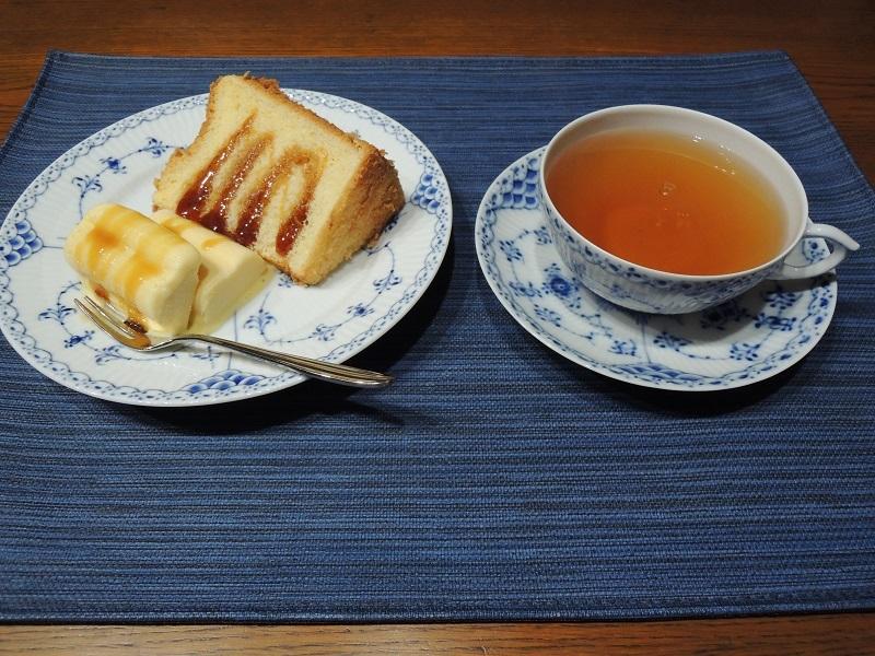 シフォンケーキと安納芋のアイス 黒蜜かけ