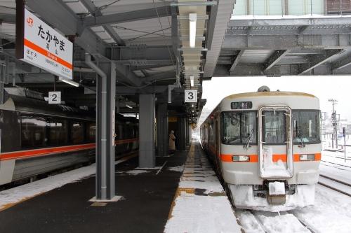 高山駅 普通列車猪谷行き