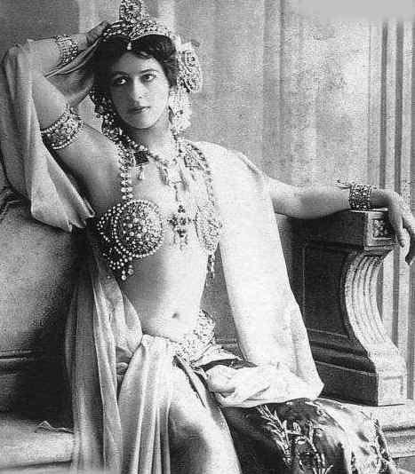 マタ・ハリ 1906年 2