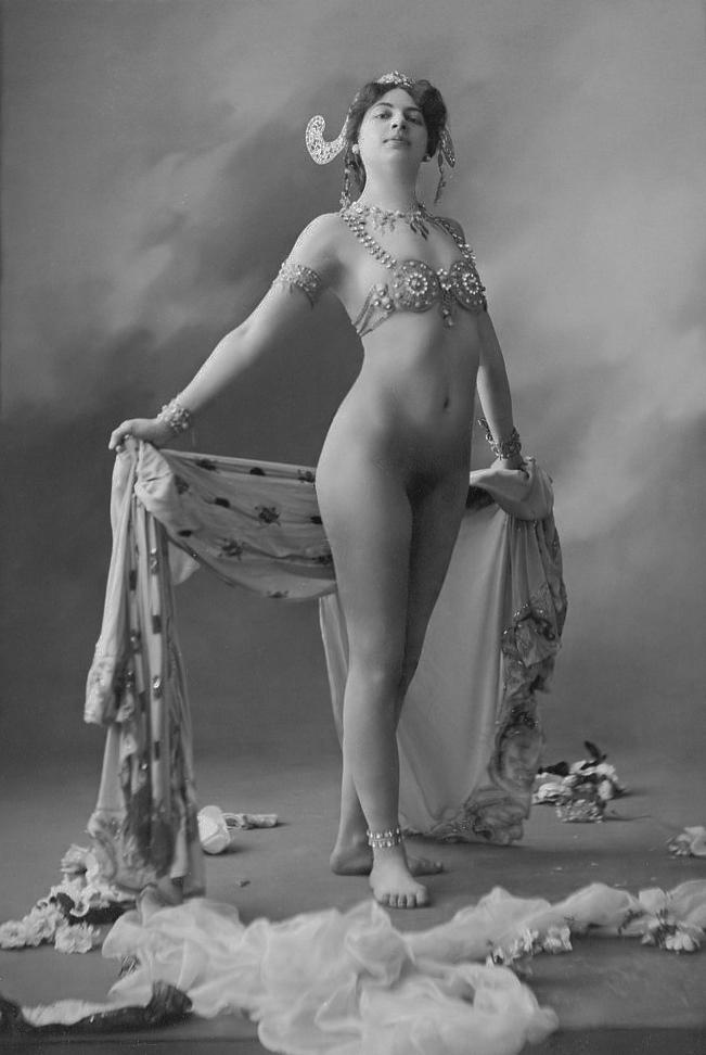 マタ・ハリ 1906年