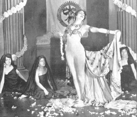 マタ・ハリ 1905年