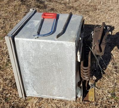 背後の気化装置 冷媒はアンモニアガス