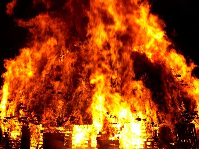 fire-298097_640.jpg