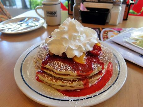 ハワイ065IHOPパンケーキ
