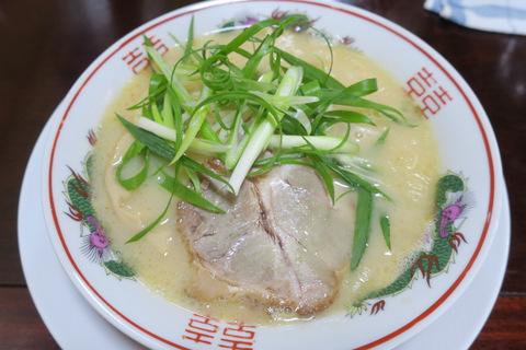 ラーメン食堂(塩豚骨ラーメン)