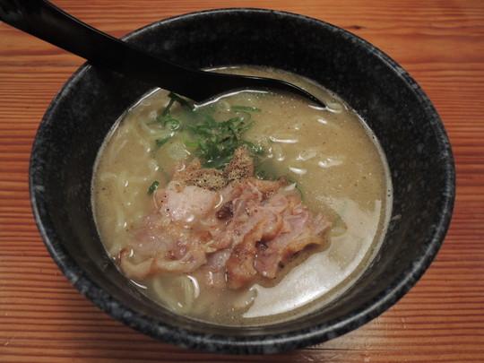 濃厚魚介豚骨ラーメン(288.9円)