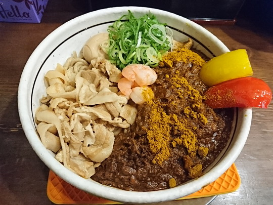 今週の創作「黒小麦極太麺のキーマカレー和え麺」(2160円)