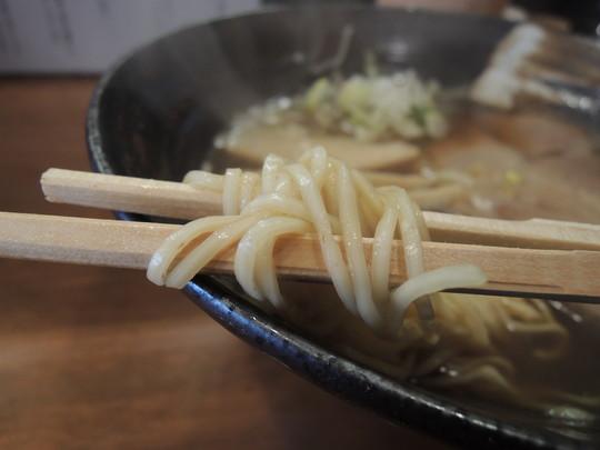 中華そば(並)の麺