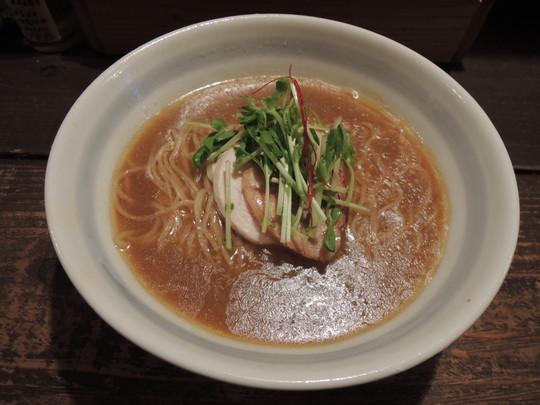 濃い煮干そば(800円)