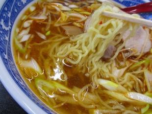 永楽横越 葱ラーメン 麺スープ