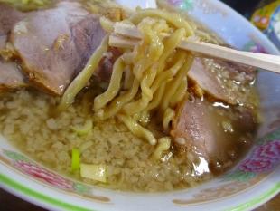 関屋福来亭 チャーシュー麺 麺スープ