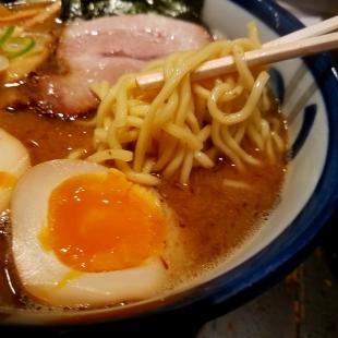 つじ田 2代目ラーメン 麺スープ