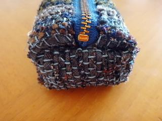 ネクタイ裂き織りペンケース マチ2