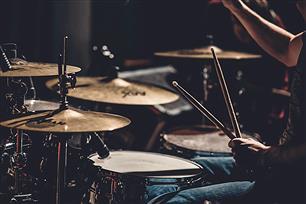 バンドって『ドラム』と『ベース』だけで十分じゃね?