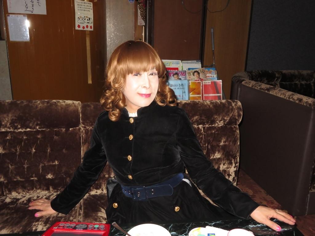 黒ベルベットでワンピカラオケ(8)