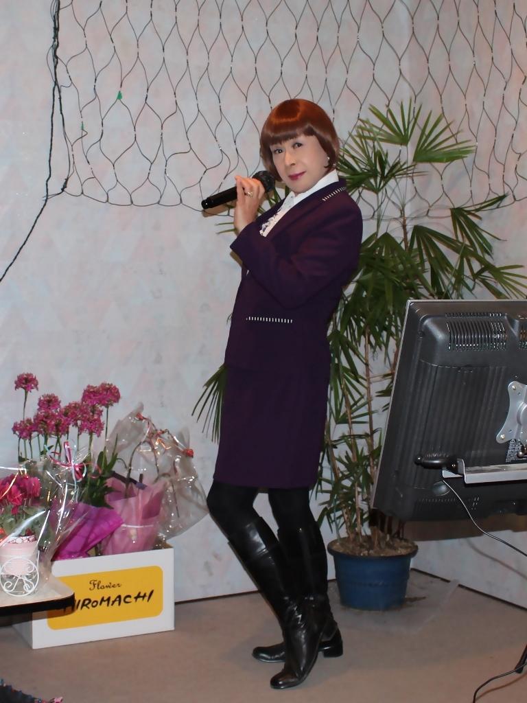 紫色のタイトスーツカラオケ(6)