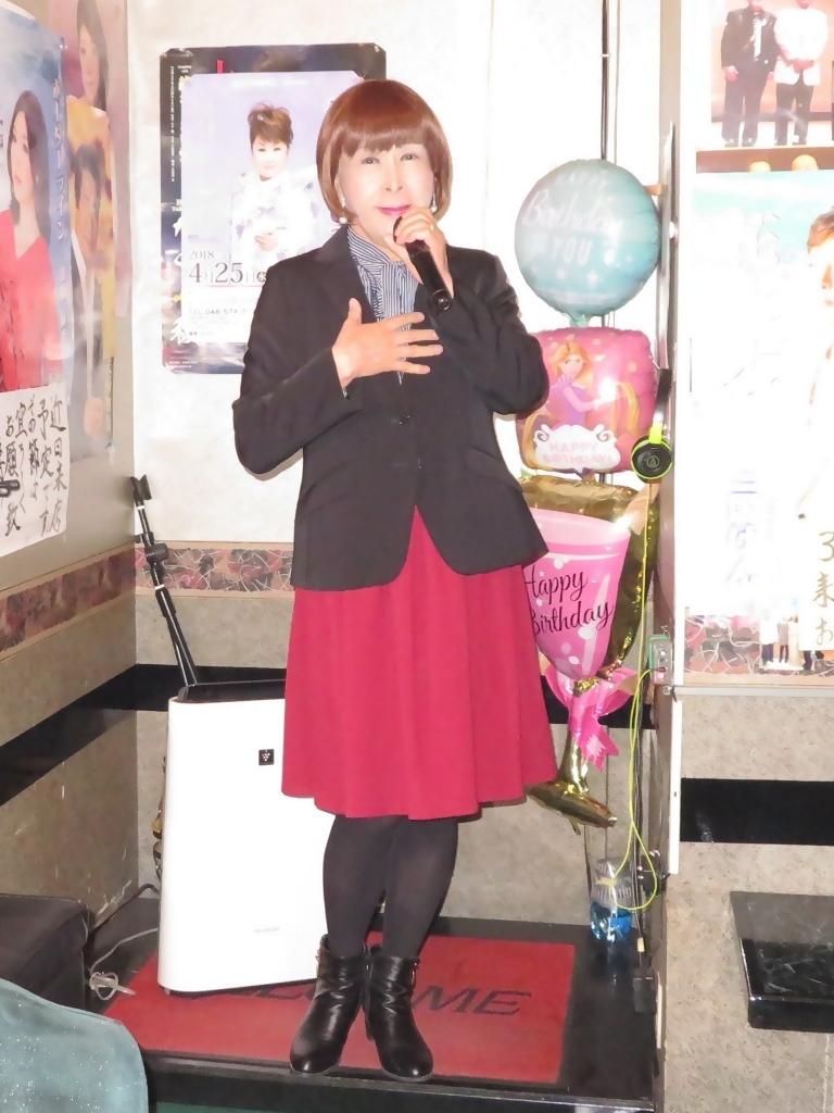 黒ジャケット臙脂スカートカラオケ(5)