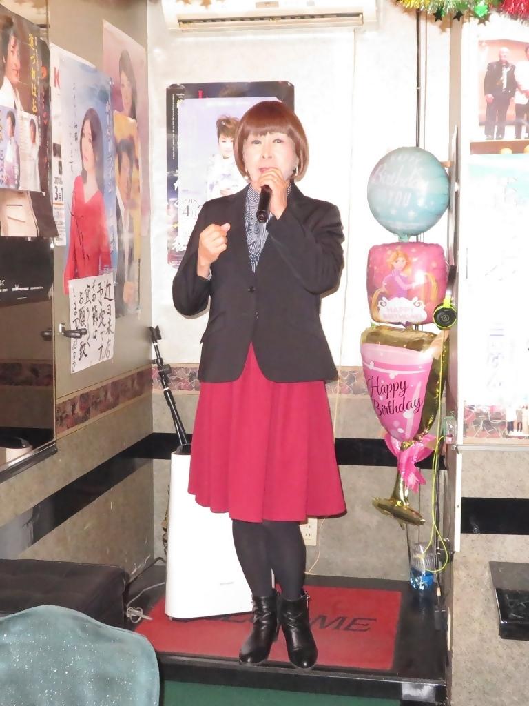 黒ジャケット臙脂スカートカラオケ(4)