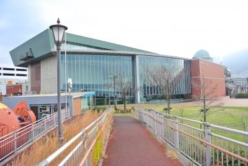 隣の大和ミュージアム