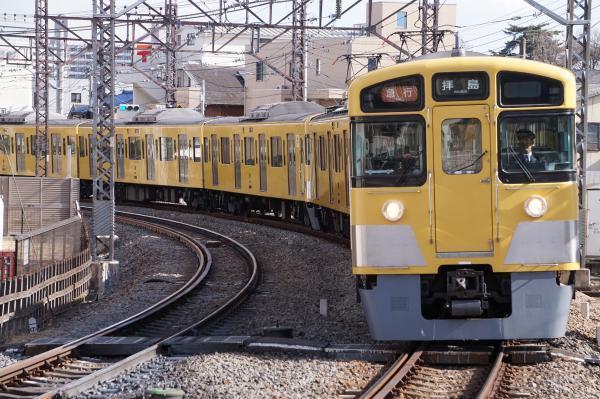 2018-02-13 西武2057F_2451F 急行拝島行き 2329レ