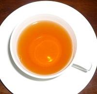 紅茶を楽しむときは珈琲を飲む時よりなぜか優雅な気分になります