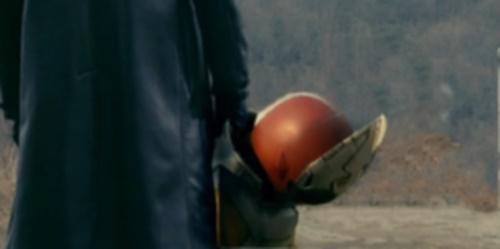 仮面ライダーギャレンが苦戦、やられて敗北ピンチ