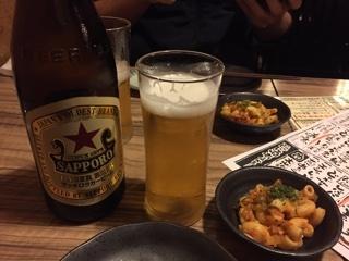 瓶ビール(サッポロラガー赤星 中瓶)とお通し