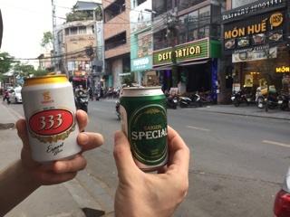 歩きビール♪(333 & SAIGON SPECIAL)